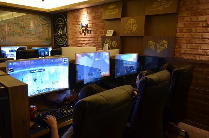 엔비디아 공식인증 PC 방