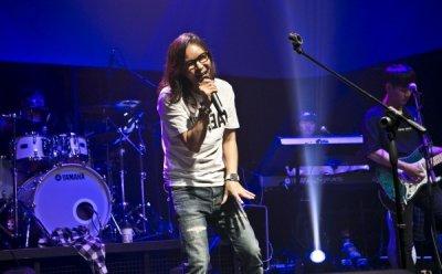 [ET-ENT 스테이지] 김종서 30주년 콘서트 'TRACE'(1) 콘서트라기보다는 프라이빗 파티 같이 친근한 소극장 공연
