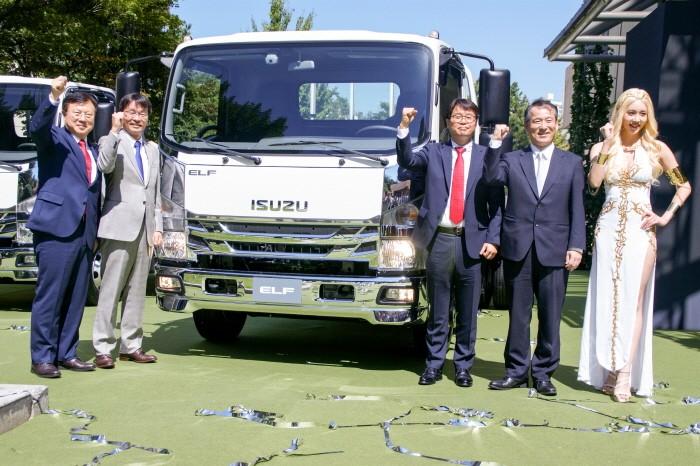 일본 상용차 브랜드 이스즈의 최신 3.5톤 중형트럭 '엘프'가 공식출시된다.(사진=박동선 기자)