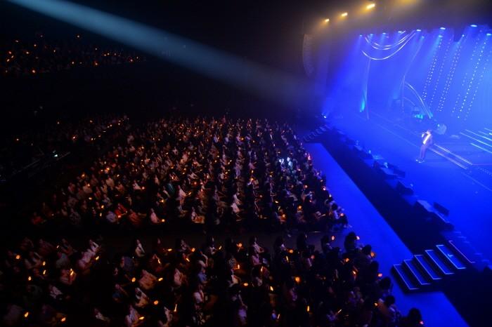 대한민국 대표 명품보컬 신혜성이 그만의 아련한 감성을 담은 장기콘서트 '세레니티(Serenity)'로 가을을 맞은 대중들의 마음을 따뜻하게 만든다. (사진=라이브웍스컴퍼니 제공)