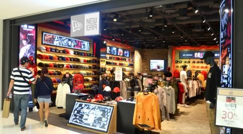 서울 영등포에 위치한 복합쇼핑몰 '타임스퀘어'가 2030세대 젊은 층들이 선호하는 인기 패션 브랜드를 새롭게 유치하고 매장 리뉴얼을 단행했다. 뉴에라 매장. 사진=타임스퀘어 제공