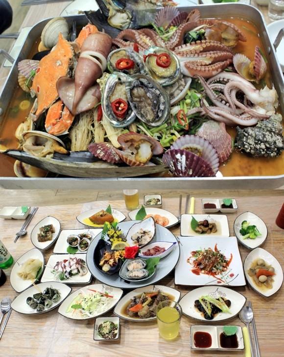 [전국곳곳맛집] 통영 맛집 '통영바다횟집' 전복·돌문어·가리비·새우 등 푸짐한 용궁 해물탕 제공