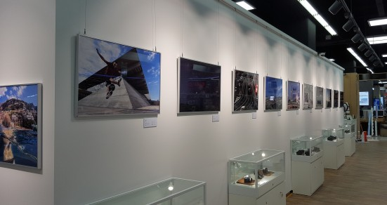 롯데하이마트가 국내 최초로 김포공항점에 프리미엄 카메라 전문관을 오픈했다. 갤러리. 사진=롯데하이마트 제공