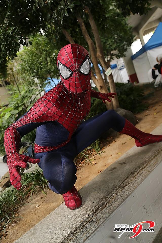 [포토] 제3회 코믹스튜디오, 진짜 거미같은 스파이더맨
