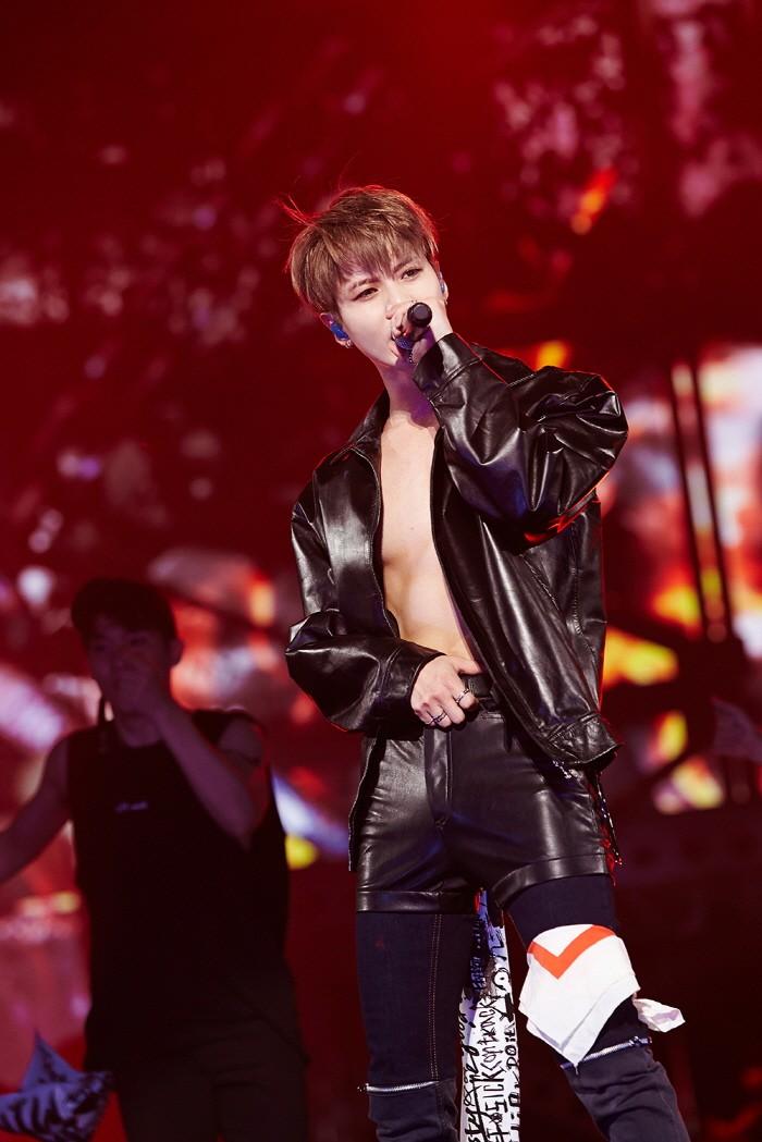 글로벌 한류그룹 샤이니 멤버이자 솔로아티스트인 태민이 솔로콘서트 완결판 'off-sick[on track]'으로 그의 다양한 음악적 능력을 과시했다. (사진=SM엔터테인먼트 제공)