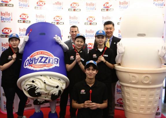 새로운 개념의 아이스크림이 한국 소비자들에게 선보인다. 미국 디저트·패스트푸드 브랜드 '데어리퀸'은 11월 4일 서울 대학로에 'DQ Grill & Chill' 매장을 오픈한다고 밝혔다. 사진=데어리퀸 제공