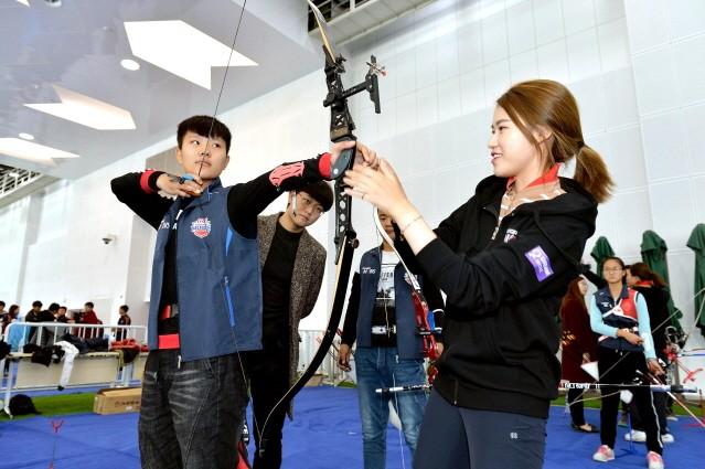 현대모비스, 中 텐진 지역 학교에서 어린이 양궁교실 진행