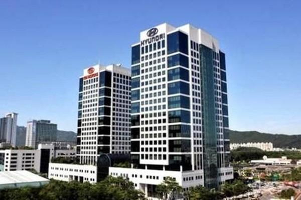 Panoramic view of Hyundai Motor Group's company building in Yangjae-dong