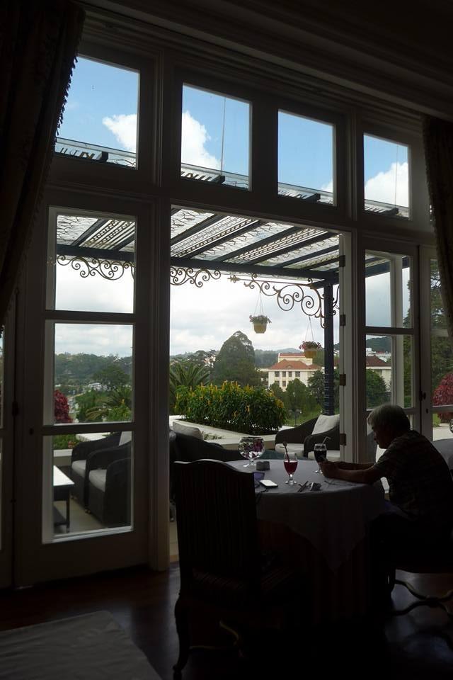 호텔식당에서 점심