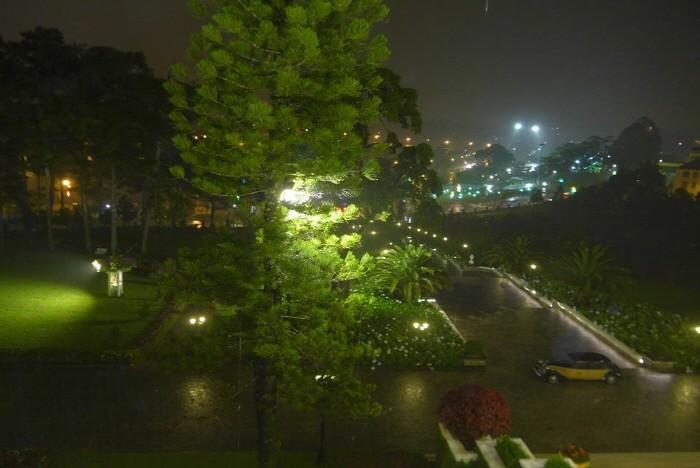 폭우 쏟아지는 달랏시내 야경