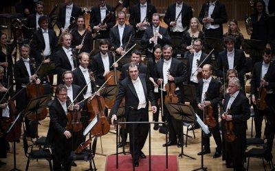 [ET-ENT 클래식] 'SBS 창사 27주년 기념 다니엘레 가티&로열 콘세르트헤바우 오케스트라' 지휘자의 음악적 아이디어, 단원들의 자율적 앙상블