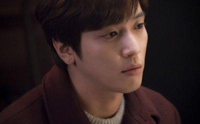[ET-ENT 인터뷰] 정용화, '배우로서의 산마루 오른 산마루'(정용화 '더 패키지' 종영 인터뷰①)