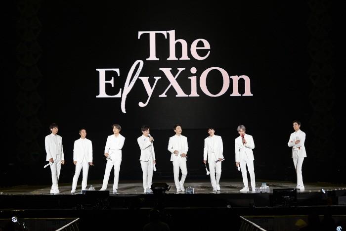 26일 오후 서울 구로구 고척스카이돔에서는 엑소(EXO)의 네 번째 단독콘서트 '엑소플래닛#4 더 엘리시온'의 3일차 공연이 열렸다. (사진=SM엔터테인먼트 제공)