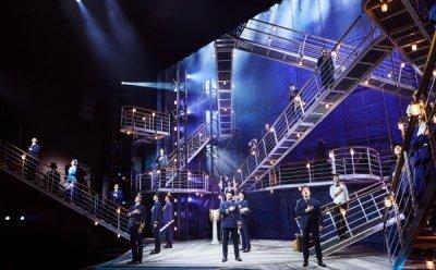 [ET-ENT 뮤지컬] '타이타닉' 배우들이 받을 반복적 트라우마, 관객의 환호로 힐링할 수 있을까?
