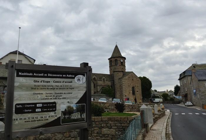 나비스날 성당