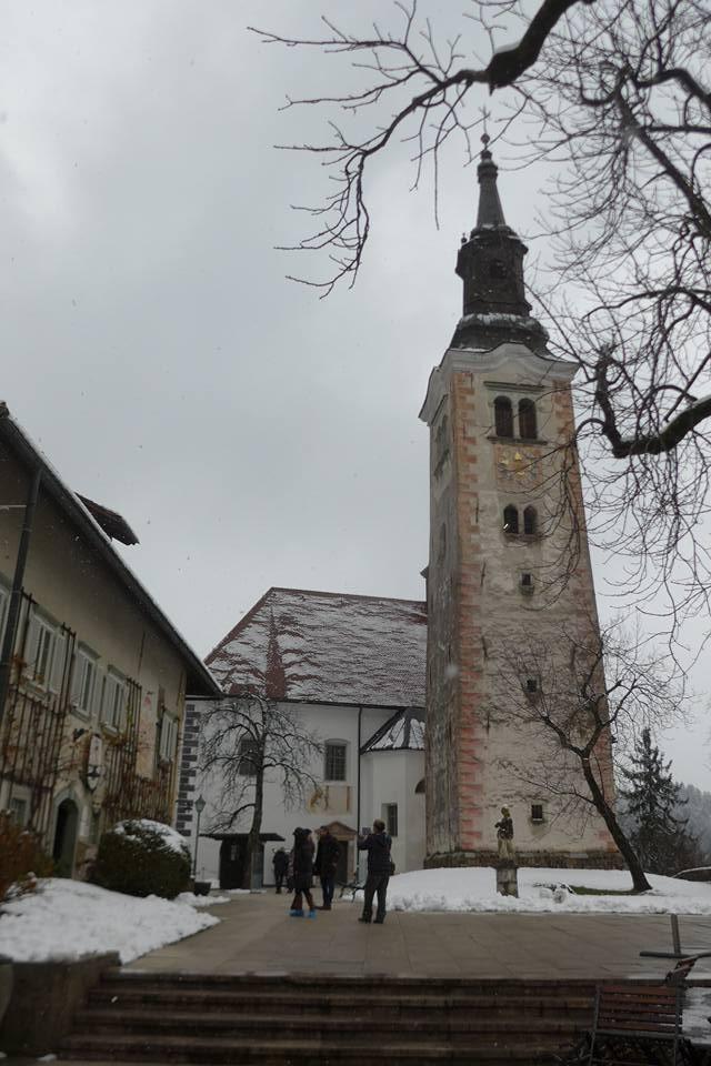 성당과 시계탑