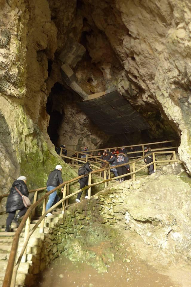 [허여사의 여행일기 발칸편 Day-12] 유럽의 유일 동굴성 '프레드야마동굴성'에 가다