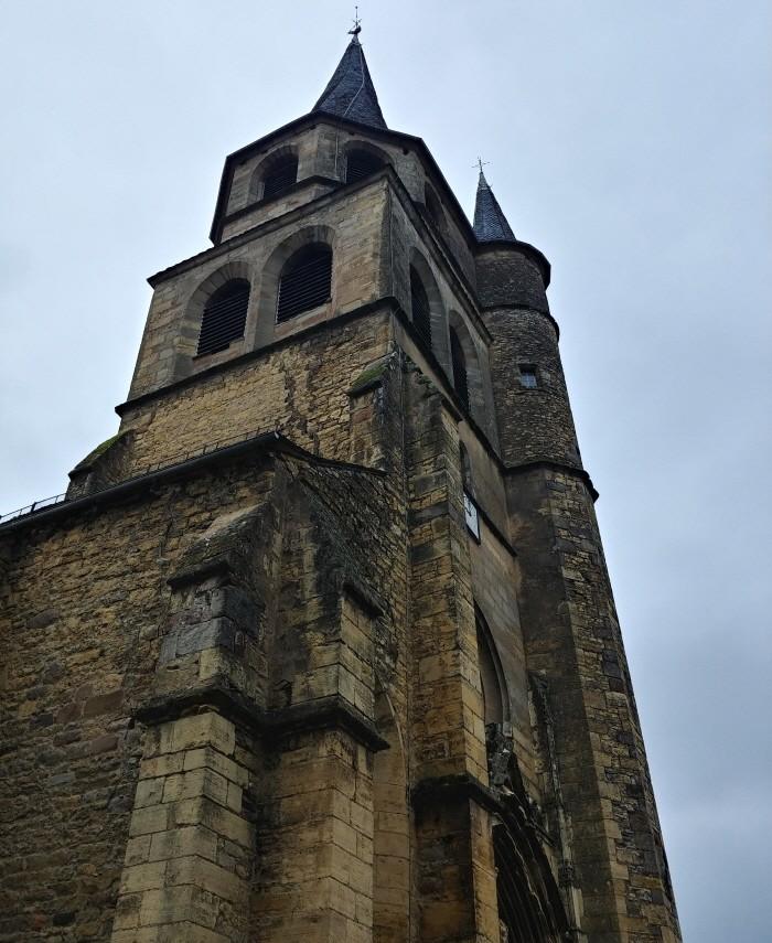 1552년에 건축된 생 콤 돌트 성당