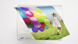 OLED, 중소형 시장서 LCD 역전