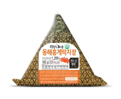 CU(씨유)는 짭쪼름한 감칠맛으로 '밥도둑'으로 불리는 게 딱지장을 반찬으로 구성한 '동해홍게딱지장 도시락과 삼각김밥'을 16일 출시한다고 밝혔다. 사진=CU 제공