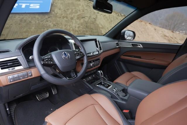 [시승기] '진정한 럭셔리 SUV', 쌍용 렉스턴 스포츠