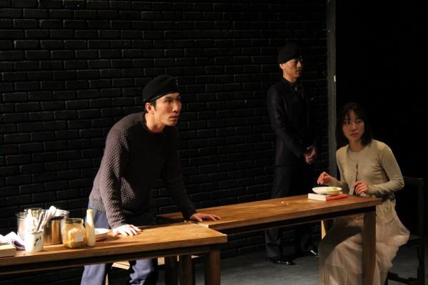 '오셀로의 식탁' 공연사진. 사진=극단/소극장 산울림, 아트판 제공