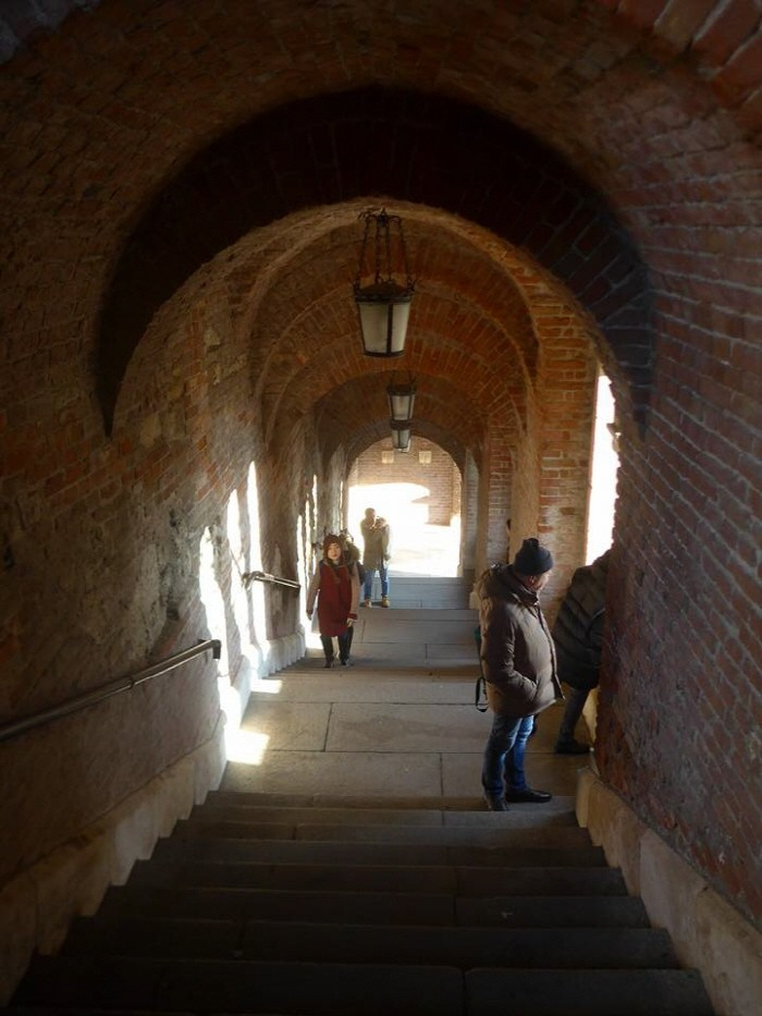 어부의 요새 아래 시내로 가는 계단