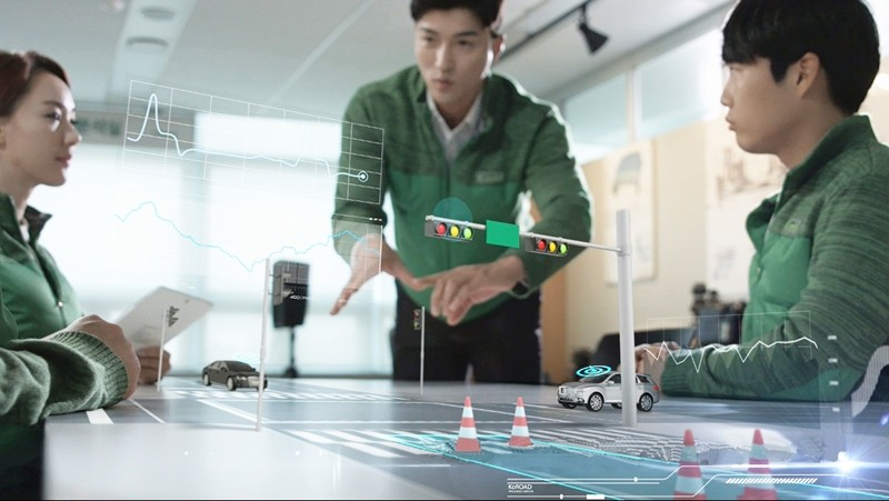 도로교통공단은 자율주행차의 안전한 도로주행을 위해 교통신호기, 교통안전표지, 노면표시 등 교통안전시설 연구를 진행하고 있다.