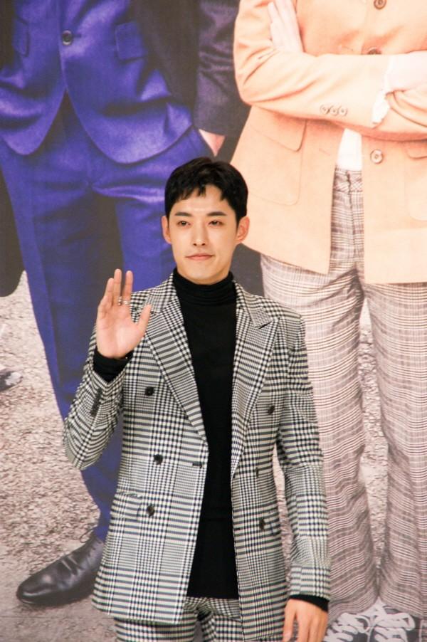 6일 서울 영등포구 타임스퀘어 아모리스홀에서는 오는 12일 오전 9시 방송될 KBS2 TV소설 '파도야파도야' 제작발표회가 개최됐다. 신인배우 정헌이 포토타임에 응하고 있다. (사진=박동선 기자)
