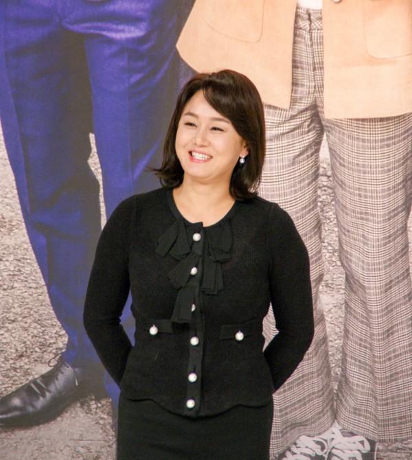 6일 서울 영등포구 타임스퀘어 아모리스홀에서는 오는 12일 오전 9시 방송될 KBS2 TV소설 '파도야파도야' 제작발표회가 개최됐다. 배우 겸 방송인 이경실이 포토타임에 응하고 있다. (사진=박동선 기자)