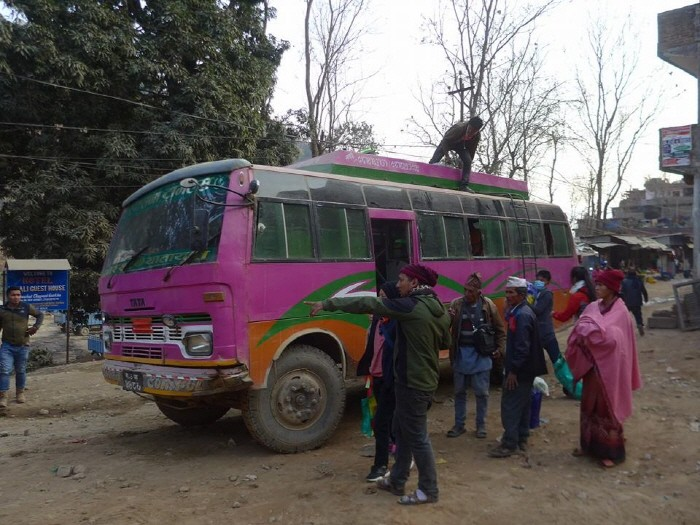 소티콜라로 가는 버스