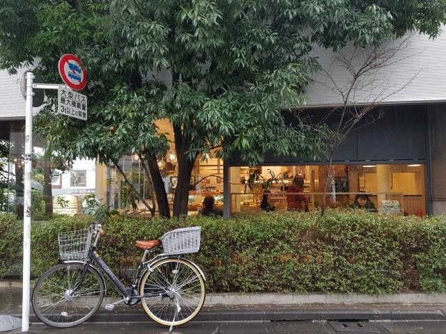 다이칸야마역의 차분함은 바로 옆의 풍경을 감성적으로 바라보게 했다
