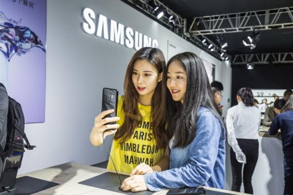 삼성전자, 프리미엄 스마트폰 '갤럭시 S9'∙'갤럭시 S9+'로 중국 시장 공략