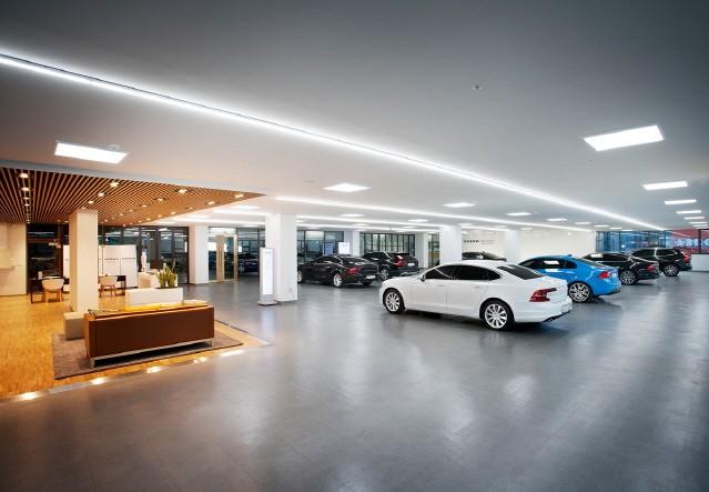 볼보자동차, 첫 인증 중고차 전시장 '볼보 셀렉트' 오픈