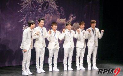 [ET-ENT 인터뷰②] '장수아이돌' 신화, 팬 위한 열정으로 또 다른 20년 예고하다 (신화 Twenty Fanparty 'All your Dreams(2018)' 기자간담회)