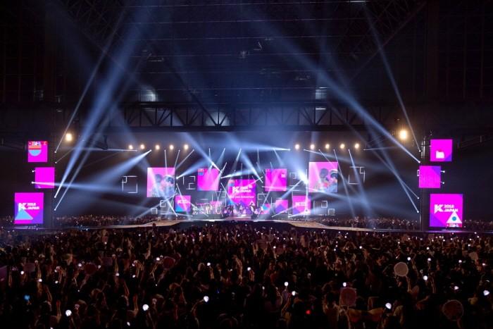 CJ E&M 측은 지난 13~15일 일본 지바현 마쿠하리멧세에서 열린 'KCON 2018 JAPAN'이 6만8000명의 관객을 기록하며 성대하게 마무리됐다고 밝혔다. (사진=CJ E&M 제공)