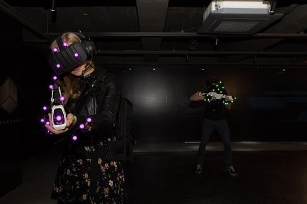 스코넥, LED 마커 시스템 도입한 워킹어트랙션 새로운 라인업 서울 VR-AR엑스포에서 최초 공개