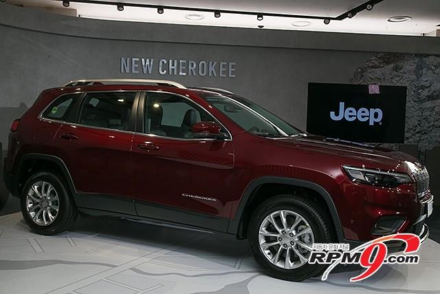 지프(Jeep) 중형 SUV '뉴 체로키' (사진 황재원 기자)