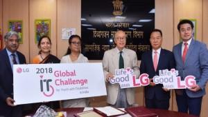 LG전자, 연말까지 인도 시각장애인 1,000명에 '빛' 선물