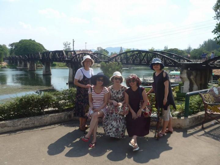 콰이강의 다리에서