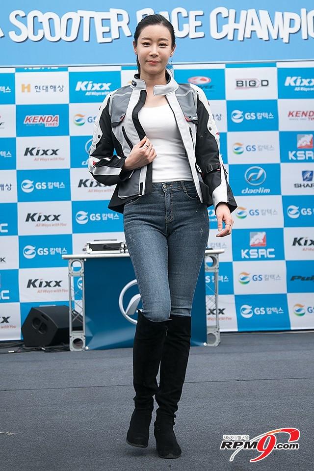 2018 코리아 스쿠터 레이스 챔피언십 1전, 라이딩 기어 패션쇼 (사진 황재원 기자)