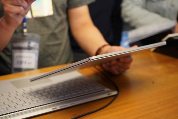 사진 = 서피스북2 태블릿 모드
