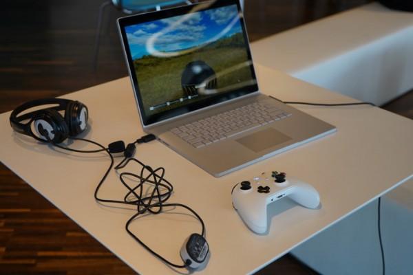 사진 = 높은 성능 게임도 가능한 서피스북 2