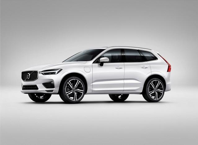 볼보자동차, 가격 경쟁력 높인 2019년형 XC60과 S90 선보여