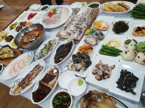여수맛집 돌산 진남횟집, 제철 보양식 하모샤브샤브 선보여