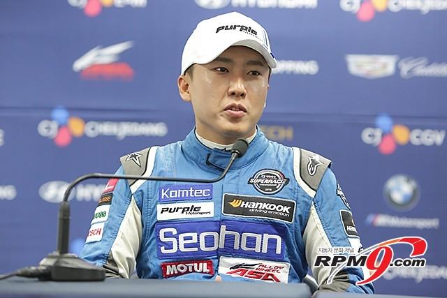 CJ대한통운 슈퍼레이스 챔피언십 ASA GT 3전 2위 오한솔 선수 (사진 황재원 기자)