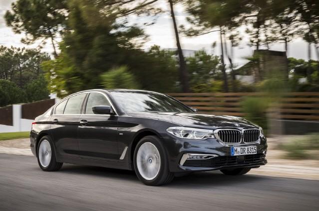 BMW, 520i로 벤츠 E200 잡는다