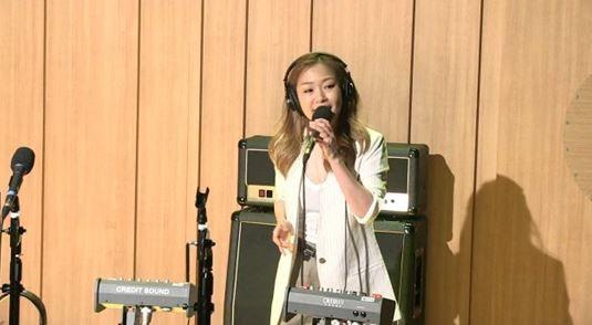 가수 박정현이 신곡 '같은 우산' 라이브를 최초로 공개했다. / 사진=SBS '두시탈출 컬투쇼' 보이는 라디오 캡처
