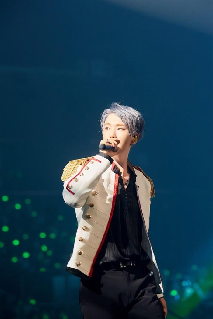 30일 오후 서울 송파구 잠실실내체육관에서는 세븐틴 단독콘서트 '2018 SEVENTEEN CONCERT-IDEAL CUT IN SEOUL' 3일차 공연이 열렸다. 멤버 호시의 공연모습. (사진=플레디스 엔터테인먼트 제공)