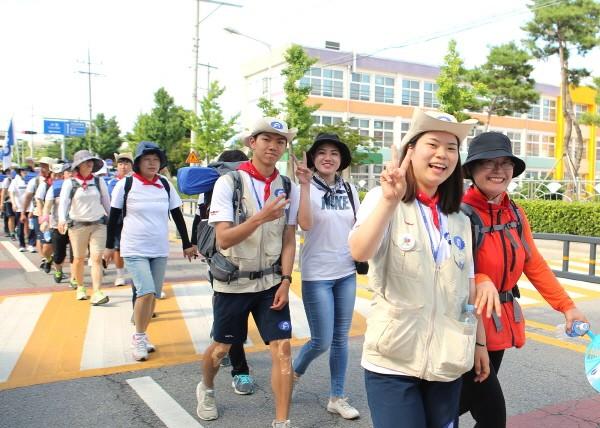 동아제약, 대학생 국토대장정 '부모님과 함께 걷기' 행사 개최